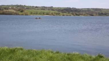 Blagdon Lake Somerset Somerset England UK south of Bristol provides drinking water but also acts as a fishing lake and nature reserve — Vídeo de Stock