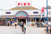 Holidaymakers Teignmouth pier Devon England UK — Stock Photo