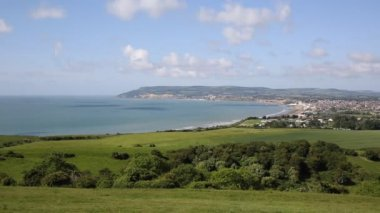 Isle of Wight coast view towards Shanklin and Sandown from Culver Down — Stock Video