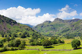 Langdale Valley Lake District Cumbria England UK with blue sky on beautiful summer day — Stockfoto