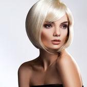 Cheveux blonds. image de haute qualité. — Photo