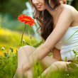 Beautiful Woman With Gerbera Flower Enjoying Nature — Stock Photo