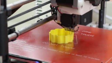 3D printer in action — Vídeo de stock