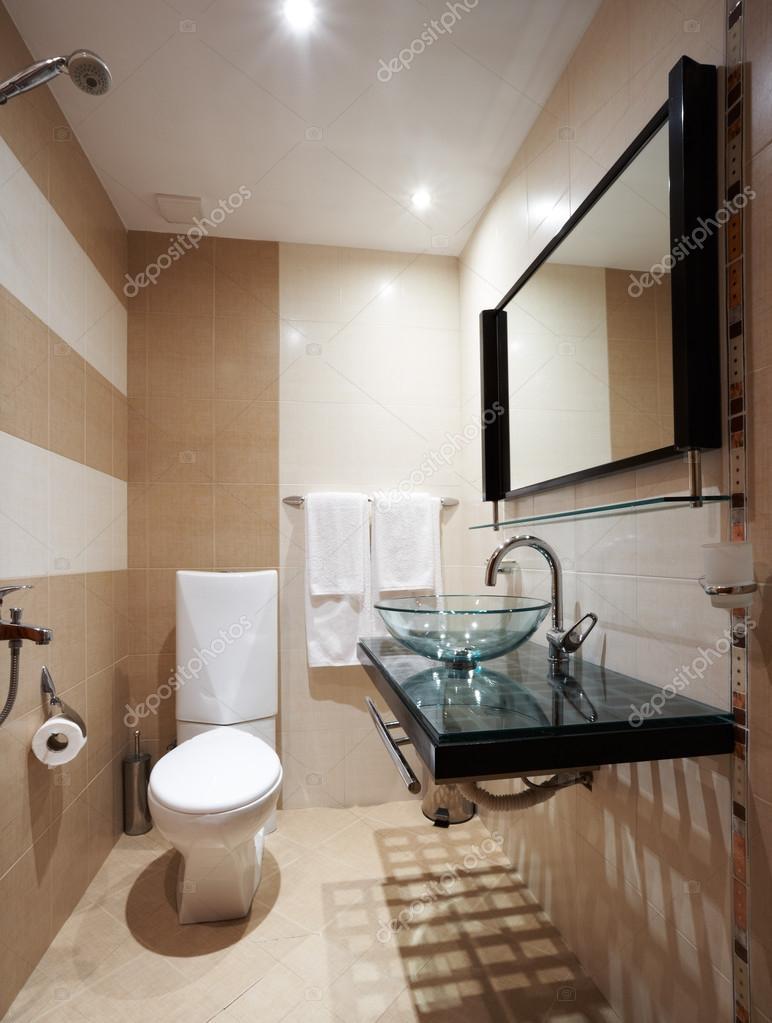 Bagno moderno marrone — Foto Stock © mazzachi #24430451