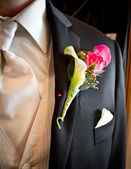 Schutte Wedding grooms tux with boutonniere — Stock Photo