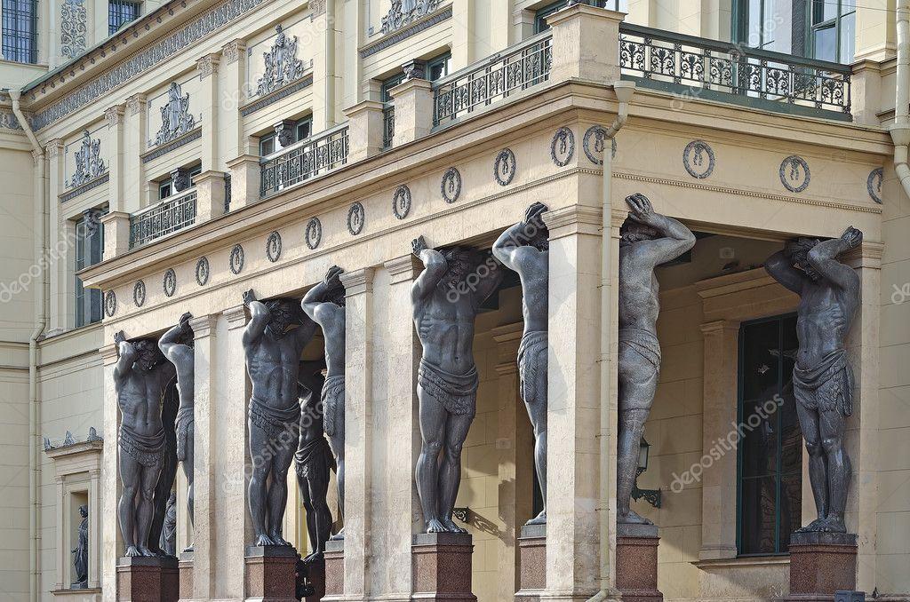 在俄罗斯圣彼得堡的历史建筑 — 图库照片 #9825423