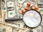 Lupas e lotto em dinheiro. — Foto Stock