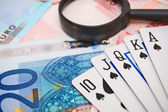 Magnifiers and game cards for euro. — Foto Stock
