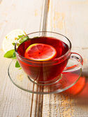 Pomegranate tea with lemon. — Stock Photo