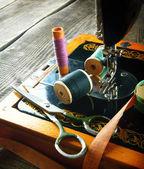 швейные машины и инструменты. — Стоковое фото