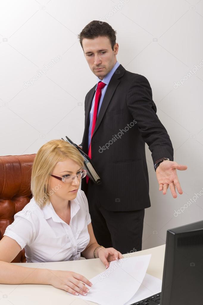 Скрытые начальников и подчиненная