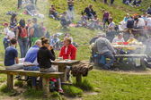People having picnic — Stock Photo