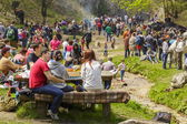 People picnicking — Stock Photo