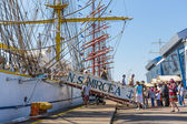 Tall ship embarkement — Stock Photo