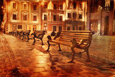 Vintage stijl beeld van oude europese stad bij nacht — Stockfoto