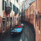 Petit canal à venise — Photo