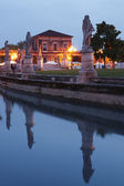 Prato della Valle at dusk — Stock Photo