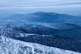 Vistosi colline dei monti carpazi — Foto Stock