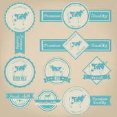 свежее молоко старинные этикетки дизайн — Cтоковый вектор