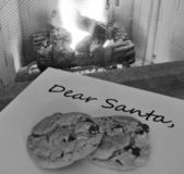 Note To Santa - chocolate chip cookies — Stock Photo