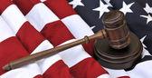 American flag and judicial symbols — Stockfoto