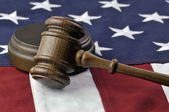 Judges gavel and American Flag — Стоковое фото