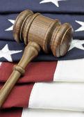Judges gavel and American Flag — Stockfoto