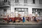 under andriivskiy uzviz. kiev. fat man and old women with dogs — Foto de Stock