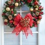 Christmas Wreath on Door — Stock Photo #12271876