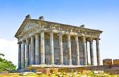 Antique temple in Garni, Armenia.Old Armenian pagan temple in I. n. e. in Armenia — Stock Photo