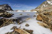 Hösten vandra i natursköna södra tyrolen, italien, bergen — Stockfoto