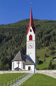 Typical church in the mountains of South Tyrol, Italy — Stock Photo