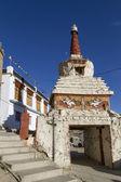 Pequeño stupa viejo en leh, ladakh, india — Foto de Stock