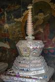Jediné stúpa uvnitř kláštera v ladakhu, indie — Stock fotografie
