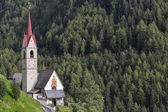 Typical church in South Tyrol, Italy — Stockfoto