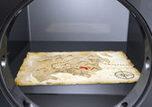 A treasure map into a safe — 图库照片