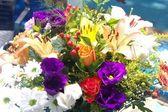 Vackra diverse blommor i en bukett — Stockfoto