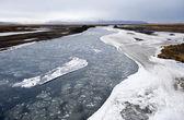 Rivier met ijs — Stockfoto