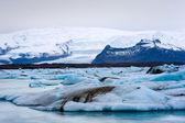 Ijsbergen in jokulsarlon — Stockfoto