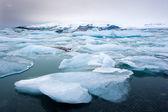 айсберги в ёкюльсаурлоун — Стоковое фото
