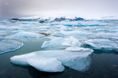 Icebergs dans jokulsarlon — Photo
