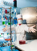 Chemist in the laboratory — Stock Photo