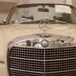 Mercedes-Benz 280SE Convertible, Vintage cars — Stock Photo