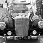 Mercedes-Benz 300B, Vintage cars — Stock Photo #12706420