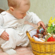 The kid with a basket — Stock Photo