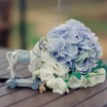 Purple wedding bouquet — Stock Photo #13917166