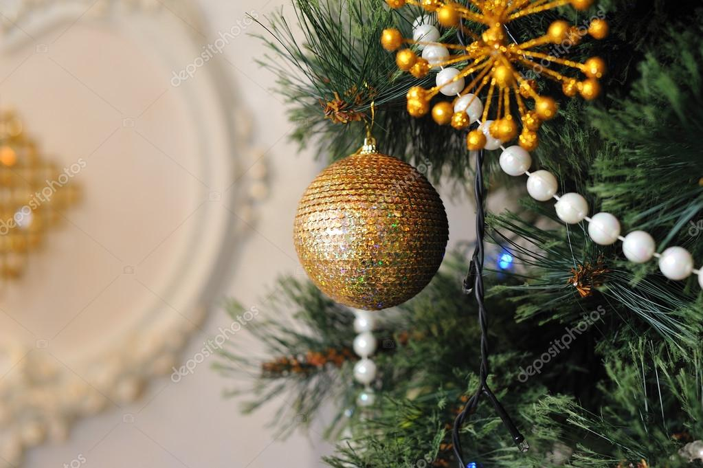 Christmas tree decorated with different beautiful toys — Stock fotografie #16306475