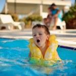 Spaß im Wasser — Stockfoto #21198529