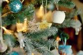 Schöne weihnachtsbaum spielzeug — Stockfoto