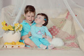 Children and rabbit — Stock fotografie